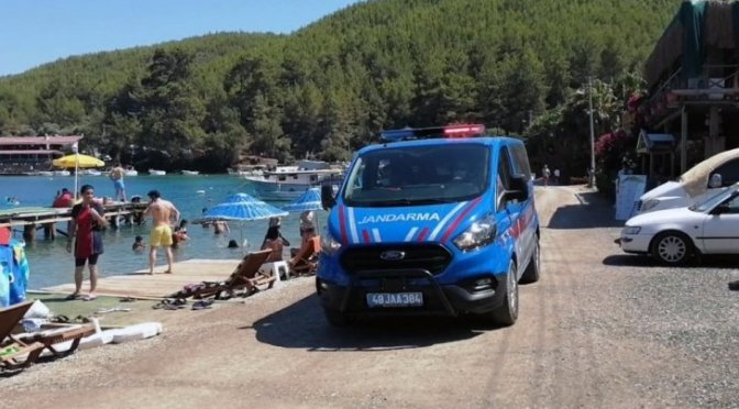 Plajda İzinsiz Çadır Kurmaktan Ceza Yazıldı